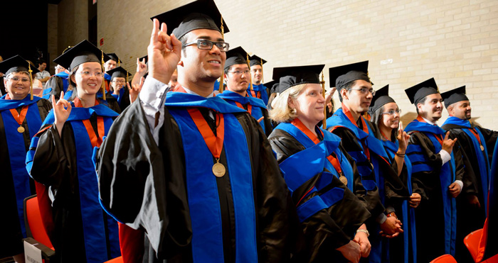 UTMB Graduate School awards 39 degrees at commencement