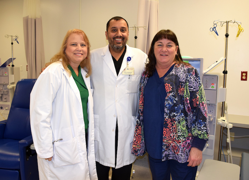 Dr. Dave Khurana with Jennifer Elmore (R), cluster nurse manager, and Beverly Pennington (L), nurse practitioner.